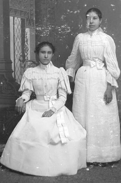 Amelia Clark and Susan Gibbs, c.1895