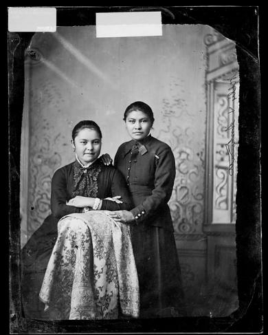 Antoinette Williams and Nellie Carey [version 1], c.1882