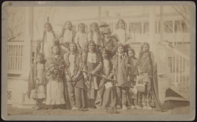 Northern Arapaho and Shoshone students upon arrival [version 2], 1881