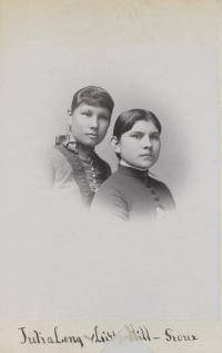 Julia Long and Lizzie Hill [version 2], c.1890