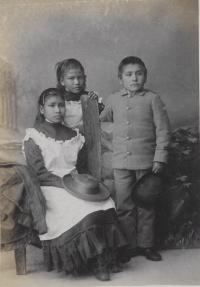 Candelaria Quintana, Josefeta Montoya, and Jose Maria Perez [version 2], c.1884
