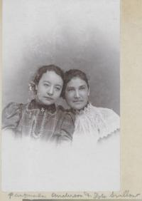 Pasquala Anderson and Ida Swallow, c.1900