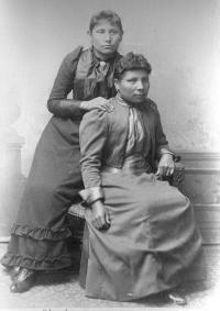 Maggie Simpson and Kate Stocker, c.1894