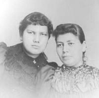 Carrie Cornelius and Marian King, c.1894