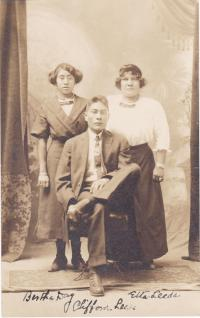 Bertha Day, Clifford Leeds, and Ella Leeds, 1913