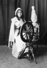 """Carlysle Greenbrier as """"Priscilla"""" in """"The Captain of Plymouth"""", 1909"""